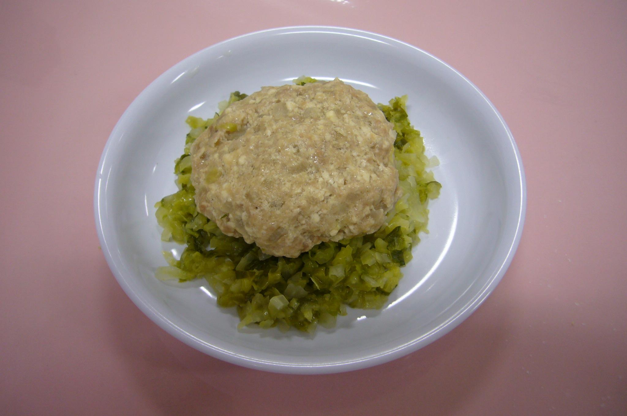 豆腐ハンバーグ(大人と一緒に楽しめるメニュー)
