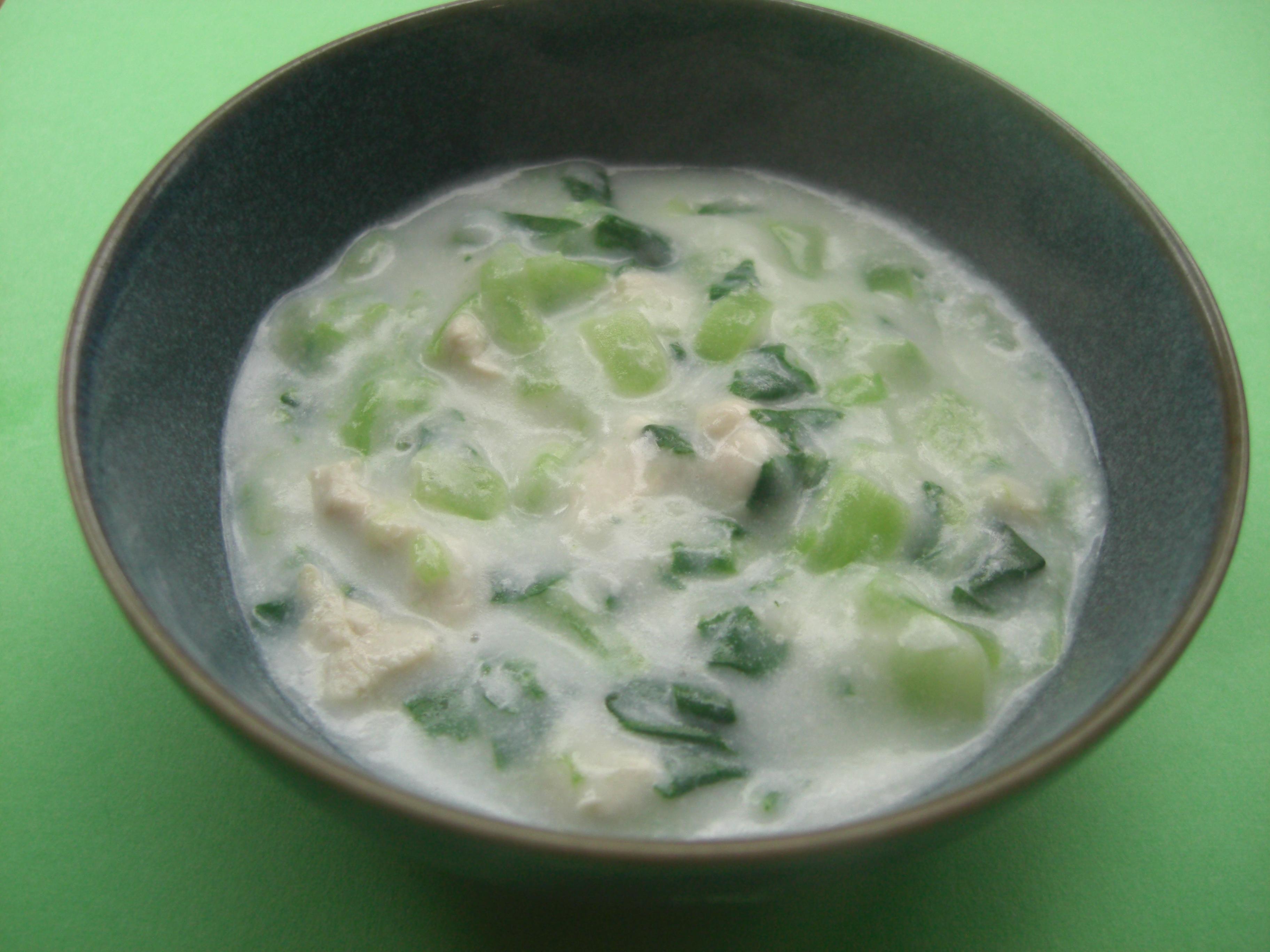 離乳食 チンゲン菜のクリーム煮(9か月から11か月頃)
