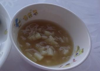 離乳食 じゃがいもとたまねぎのみそ汁(12か月から18か月頃)